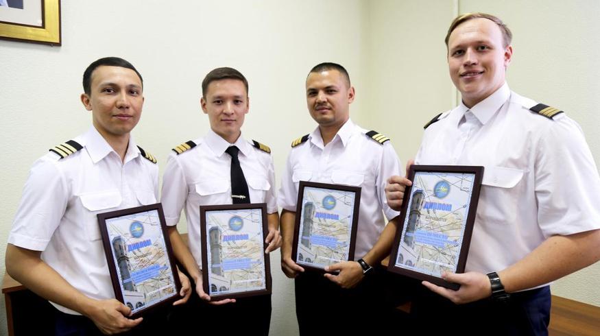 В Узбекистане выбрали лучшего авиадиспетчера