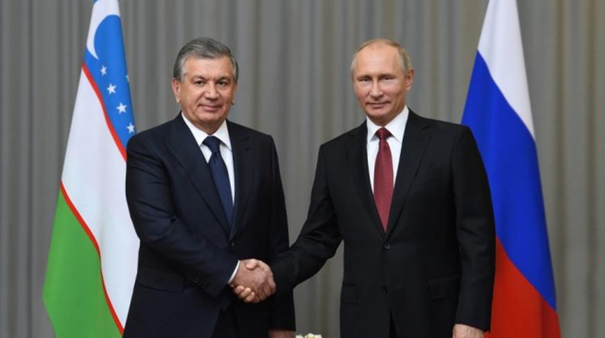 Владимир Путин поздравил Шавката Мирзиёева с Днем Победы