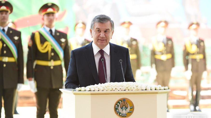 Шавкат Мирзиёев поздравил ветеранов войны и труда с 9 мая