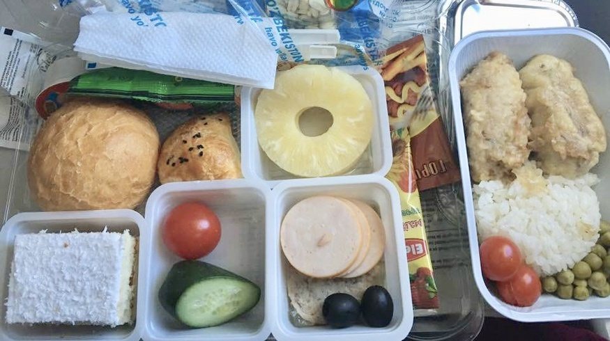 UzAirways вновь возглавила рейтинг мировых авиакомпаний с самым вкусным питанием на борту